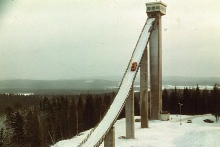 audi-quattro-und-harald-demuth-auf-der-ski-sc-L-MQ4YkF