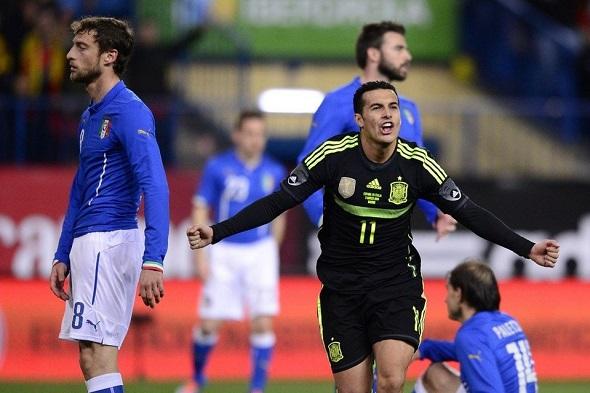 Pedro-celebra-su-gol-ante-Ital_54402074729_54028874188_960_639